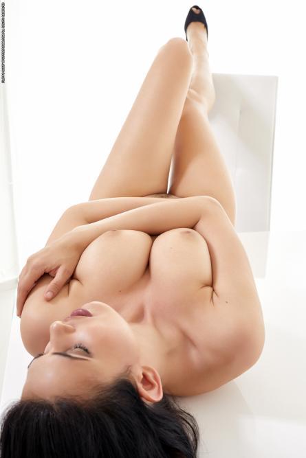 image hosted at ImgAdult.com