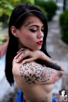 Wide suicide girl mabel aguilera