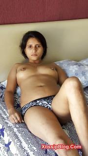 Horny Indian Girl Boobs Shows