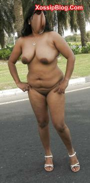 Big Boobs Indian MILF Nude