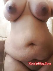 Busty UK Desi Girlfriend Selfie Nude
