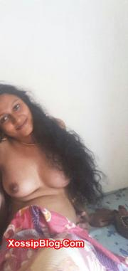 Mallu Aunty Boobs and Pussy Shows