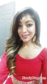 NRI Desi Girlfriend Selfie Boobs Show