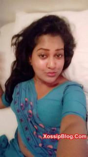 Desi Wife Nude Show in Saree