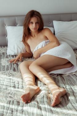 2017-03-20 Emma Sweet - Turine (x101)(3744x5616)-c6rlgbj2jy.jpg