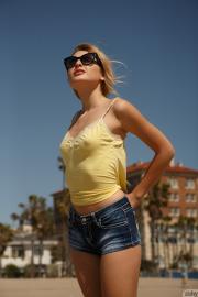 Ksenia Gali - Yellow Means Go II 76rs591rbc.jpg