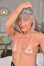 image hosted at ImgAdult.com
